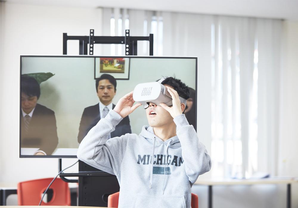 VRを活用したSSTプログラム「emou(エモウ)」を導入いたします。・画像